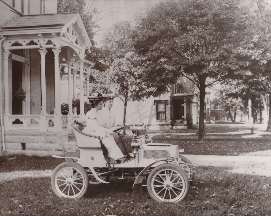 1904 runabout, mitchell runabout, mitchell car, helen lewis, mary lewis