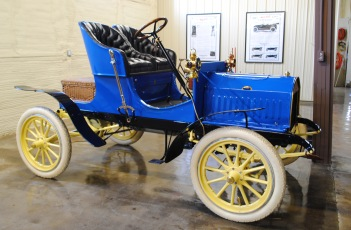 The 1906 Mitchell Runabout.